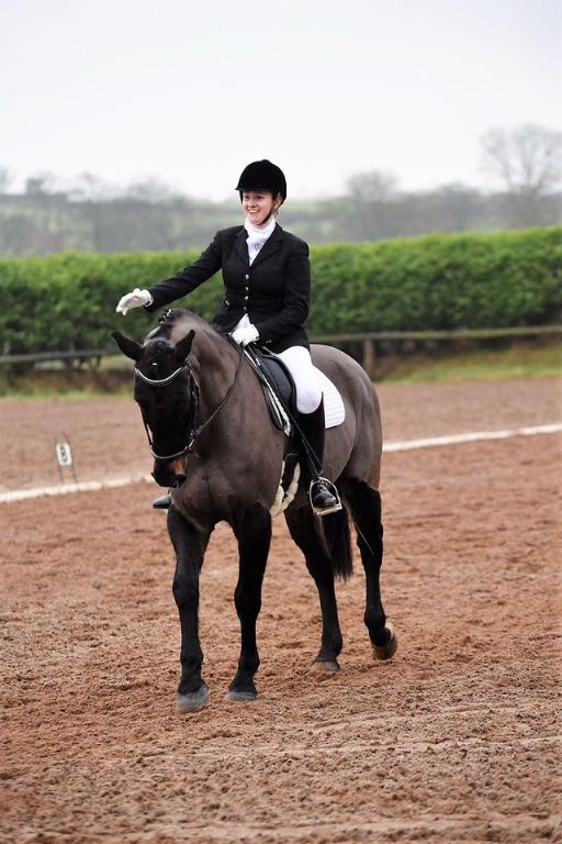 Bluegrass Horse Feeds Rider Profile - Emma Hobson